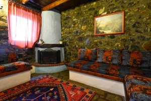 Palios Aghios Athanasios rooms suites chalet Kaimaktsalan